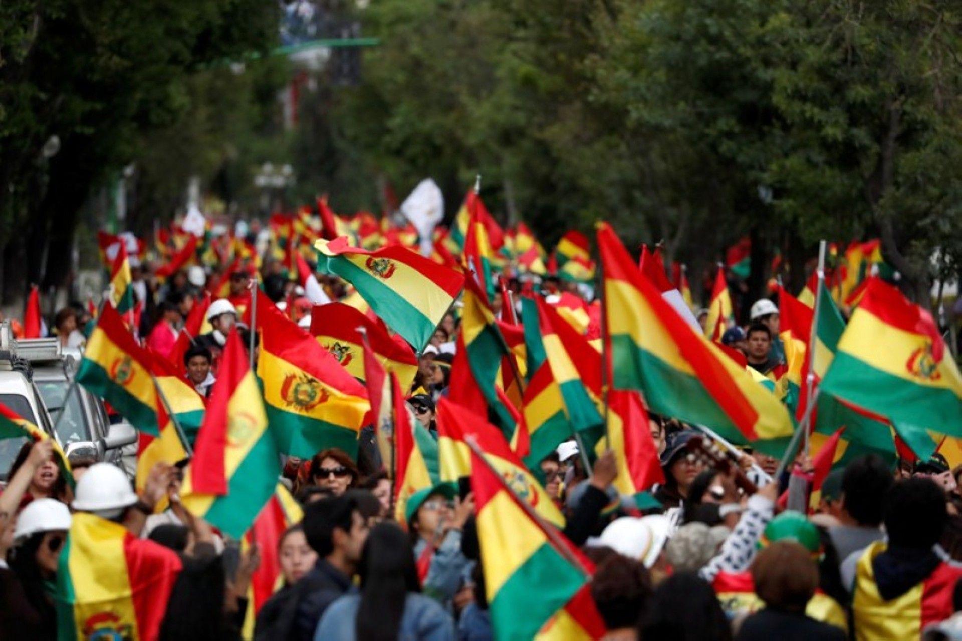 bolivia hau ong morales roi trong roi ngoai