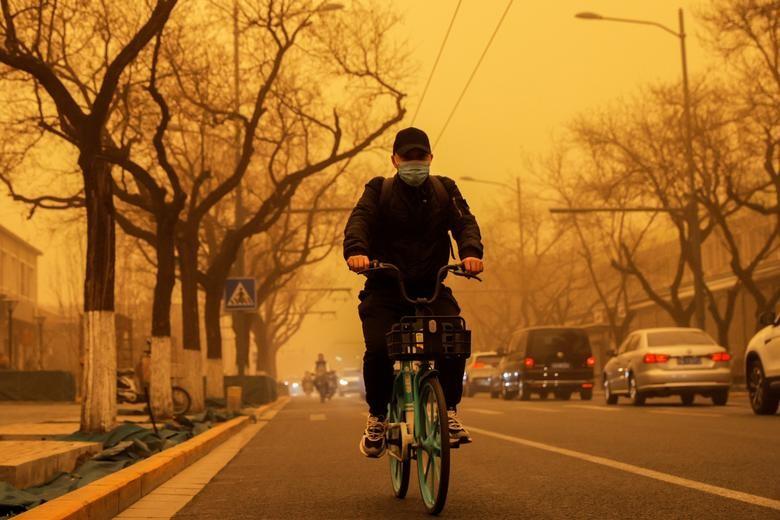 Hình ảnh trận bão cát 'kinh khủng' nhất 10 năm qua ở Bắc Kinh