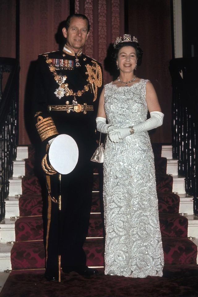 Nhìn lại 74 năm hôn nhân của Hoàng thân Philip và Nữ hoàng Elizabeth II