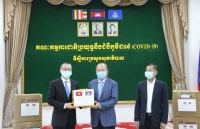 cambodia thanks vietnam for medical support in covid 19 fight