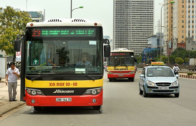 ha noi hcm city resume bus services from may 4