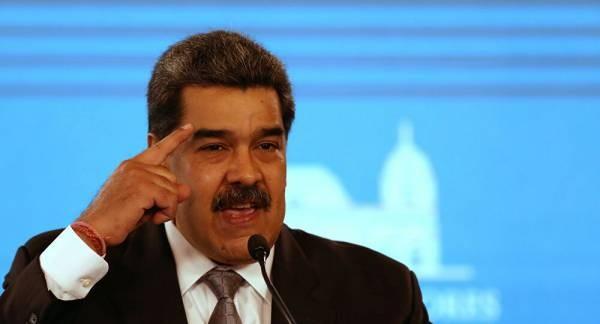 Tổng thống Venezuela đe dọa, Tây Ban Nha triệu tập đại diện của Caracas, bày tỏ 'thất vọng'