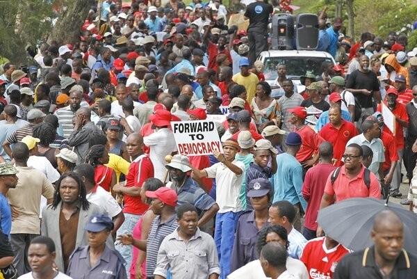 Eswatini: LHQ cảnh báo tình trạng bạo lực đẫm máu gia tăng, kêu gọi điều tra các cáo buộc vi phạm nhân quyền. (Nguồn: Socialist Worker)