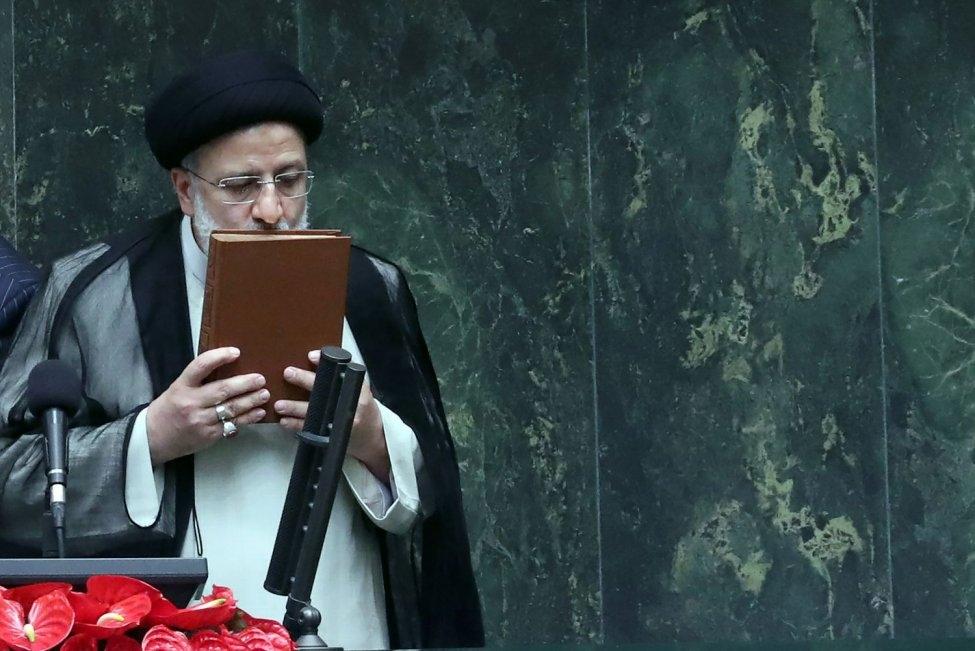 Tổng thống đắc cử Iran tuyên thệ, tuyên bố về chương trình hạt nhân và trừng phạt. (Nguôn: UPI)