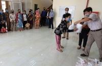 Dịch Covid-19 ở Campuchia: Tặng quà hỗ trợ bà con Việt kiều có hoàn cảnh đặc biệt khó khăn tại tỉnh Preah Sihanouk