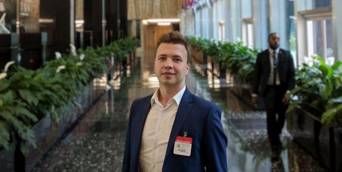 Nhân vật đối lập Roman Protasevich có tên trong danh sách truy nã sau vụ biểu tình quy mô lớn ở Belarus liên quan tới cuộc bầu cử hồi năm ngoái. (Nguồn: Euronews)