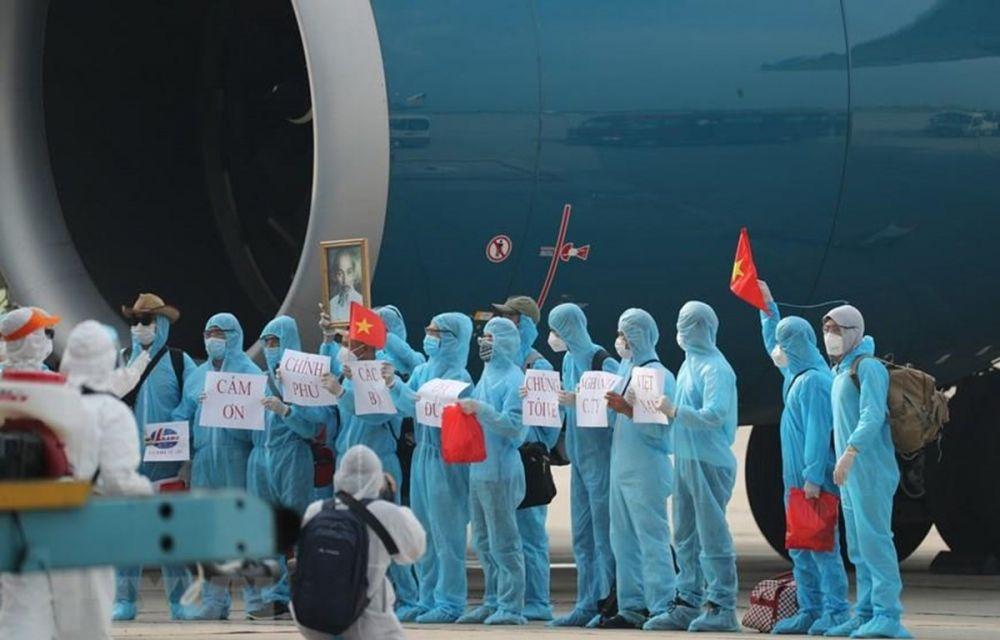 219 công dân Việt Nam làm việc tại Guinea Xích đạo về nước an toàn.