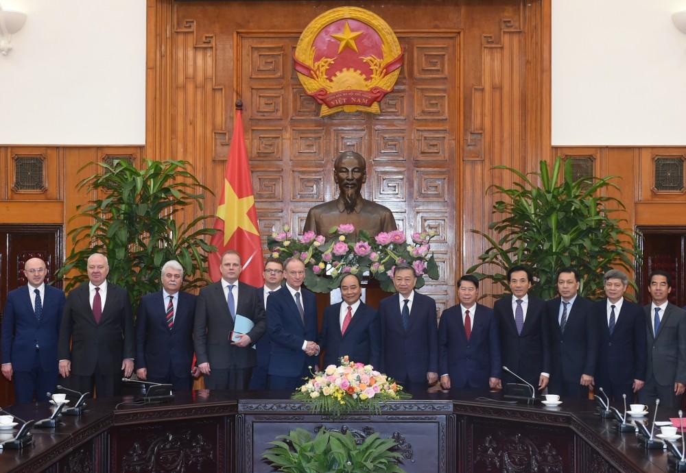 Thủ tướng Nguyễn Xuân Phúc tiếp Đại tướng Nikolai Patrushev, Thư ký Hội đồng An ninh quốc gia Liên bang Nga
