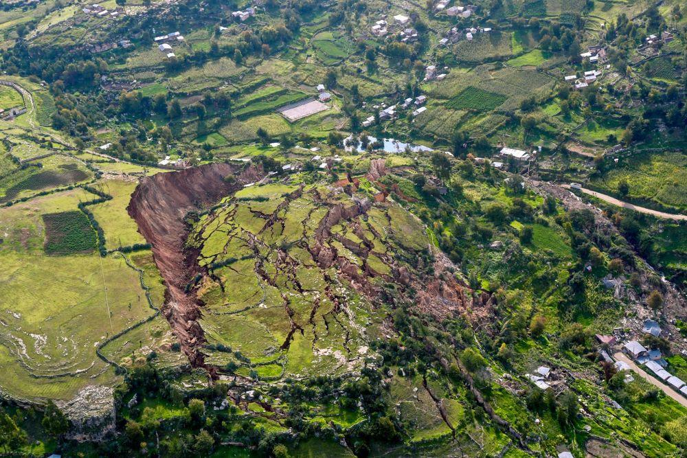 Sạt lở đất: Nỗi ám ảnh thời biến đổi khí hậu