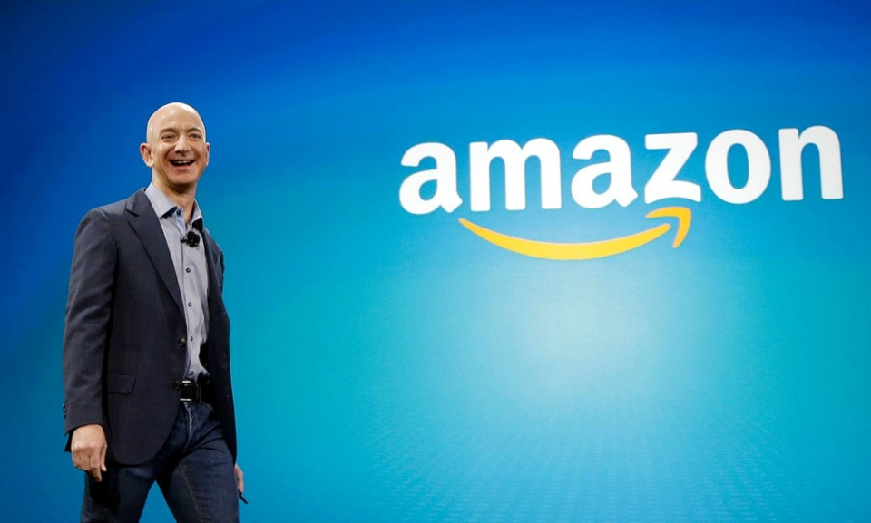 so phan de che amazon hau ly hon cua jeff bezos