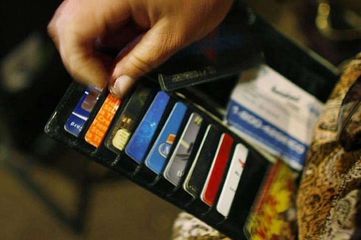 Thói quen dùng thẻ tín dụng thay đổi thế nào trong dịch Covid-19?
