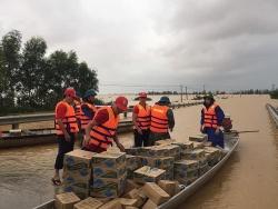Hỗ trợ khẩn cấp người dân miền Trung bị ảnh hưởng nặng nề bởi mưa lũ