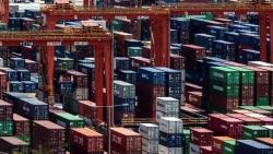 Xuất khẩu của Trung Quốc tăng vượt dự kiến