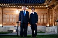 Tổng thống Trump tiết lộ Hàn Quốc 'đồng ý trả rất nhiều tiền' trong chia sẻ chi phí quốc phòng