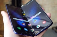 samsung gap su co man hinh o san pham gay sot galaxy fold