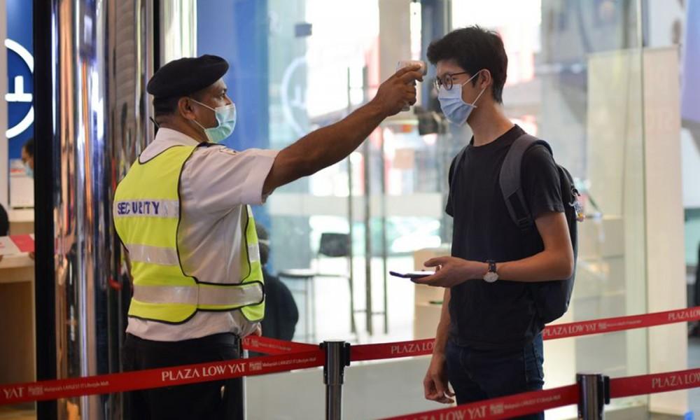 Covid-19: Lo ngại biến thể mới và ngày 24/4 phát hiện thêm 2.717 ca mắc mới, Malaysia kéo dài thời gian cách ly khi nhập cảnh