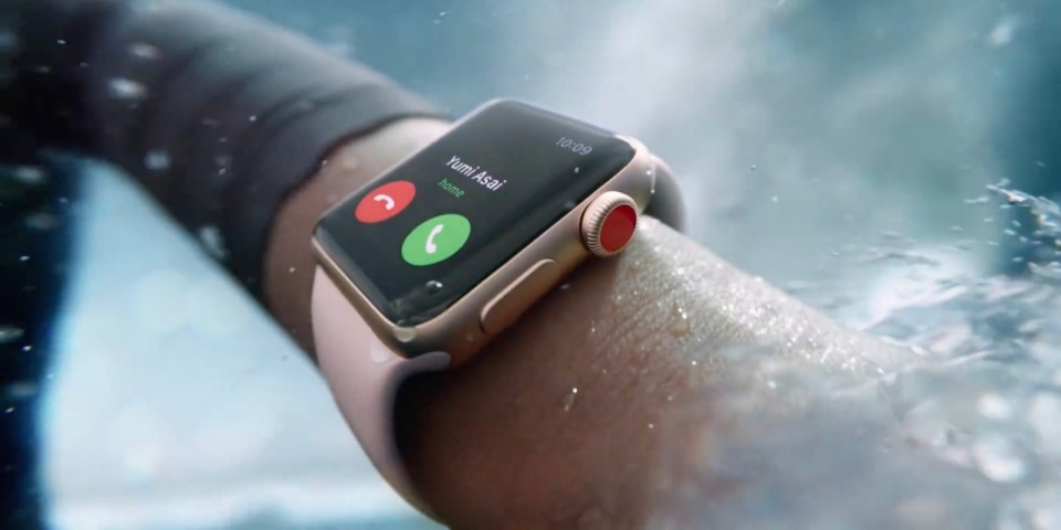 apple co the ra mau apple watch moi voi nut cam ung luc