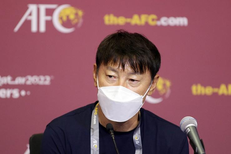 Bảng G vòng loại World Cup 2022 khu vực châu Á: Đội tuyển Việt Nam vững bị trí đầu; HLV Indonesi tuyên bố sẽ thắng ông Park