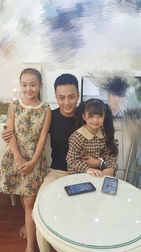 Hình ảnh hậu trường diễn viên nhí phủ sóng phim truyền hình 'Hương vị tình thân', 'Mùa hoa tìm lại'...