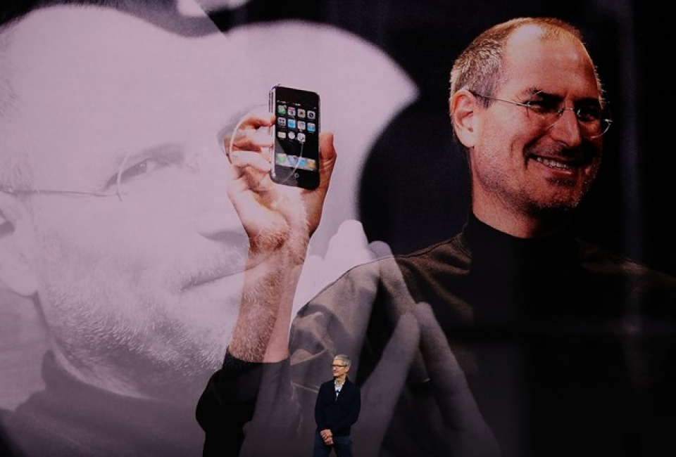 ceo tim cook tinh than steve job se luon la gene di truyen cua apple