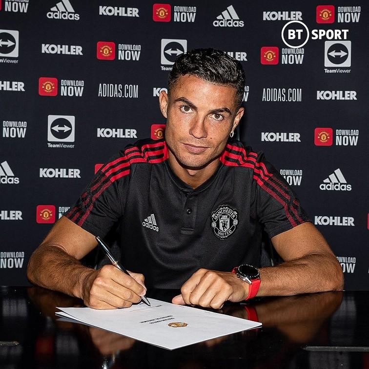 Cristiano Ronaldo thừa nhận áp lực trước màn ra mắt thứ hai trong màu áo Quỷ đỏ, dù không lớn như lần đầu tiên cách đây 18 năm. (Nguồn: Twitter)