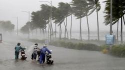Dự báo thời tiết đêm nay và ngày mai (10-11/9): Miền Trung mưa rất to; Tây Nguyên, Nam Bộ cục bộ mưa vừa mưa to; Bắc Bộ ngày nắng