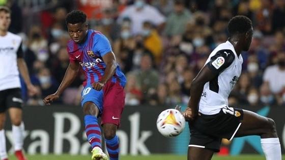 Thần đồng 19 tuổi Ansu Fati của Barca xuất sắc hơn Messi