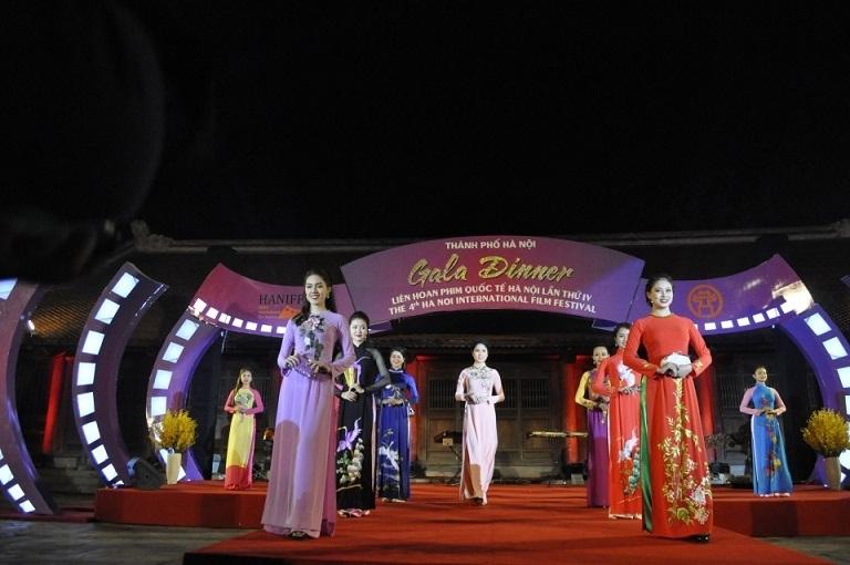 Câu chuyện phát triển công nghiệp văn hóa: Thủ đô Hà Nội làm gì để 'đẻ trứng vàng'?