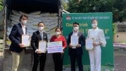 Việt kiều Australia kết nối bạn bè ủng hộ 12 tấn gạo cho TP. Hồ Chí Minh chống đại dịch Covid-19