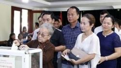 Cộng đồng người Việt tại Lào ủng hộ đồng bào miền Trung