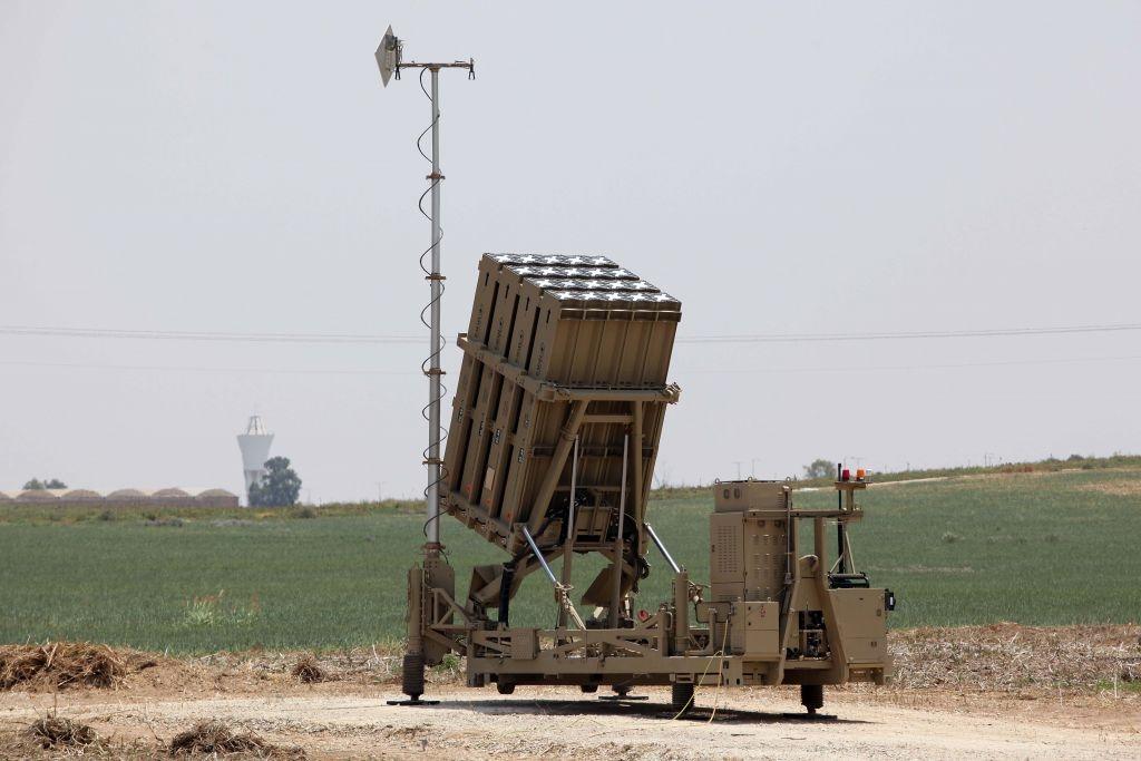 Không phải Mỹ hay Nga, vì sao thế giới thích mua vũ khí quân sự của Israel?