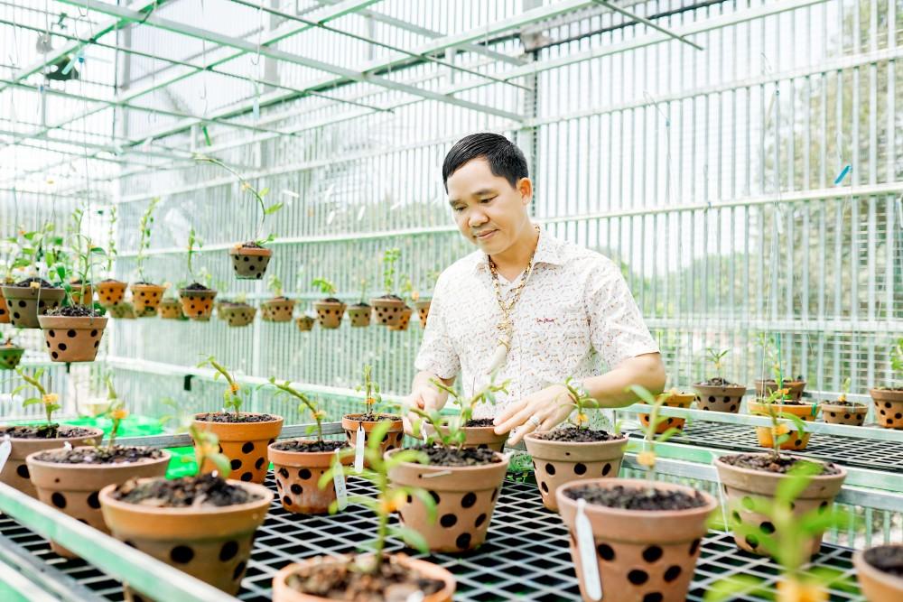 Lê Văn Thường: Trồng hoa lan mới là công việc mang lại niềm vui