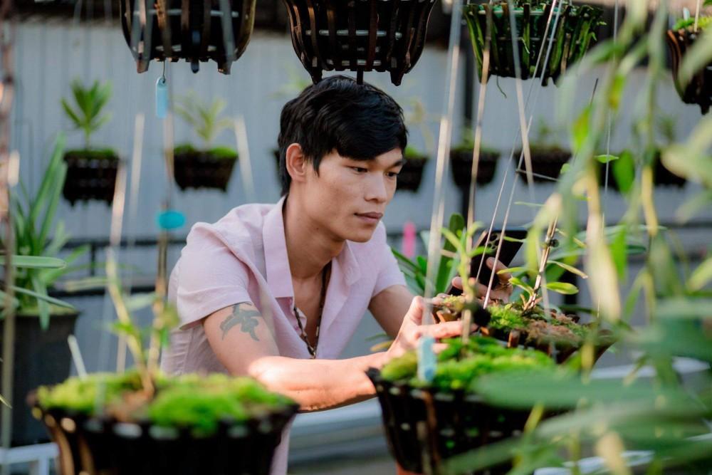 Hạc Hoàng Huy: Chàng trai 9X sở hữu vườn lan khủng