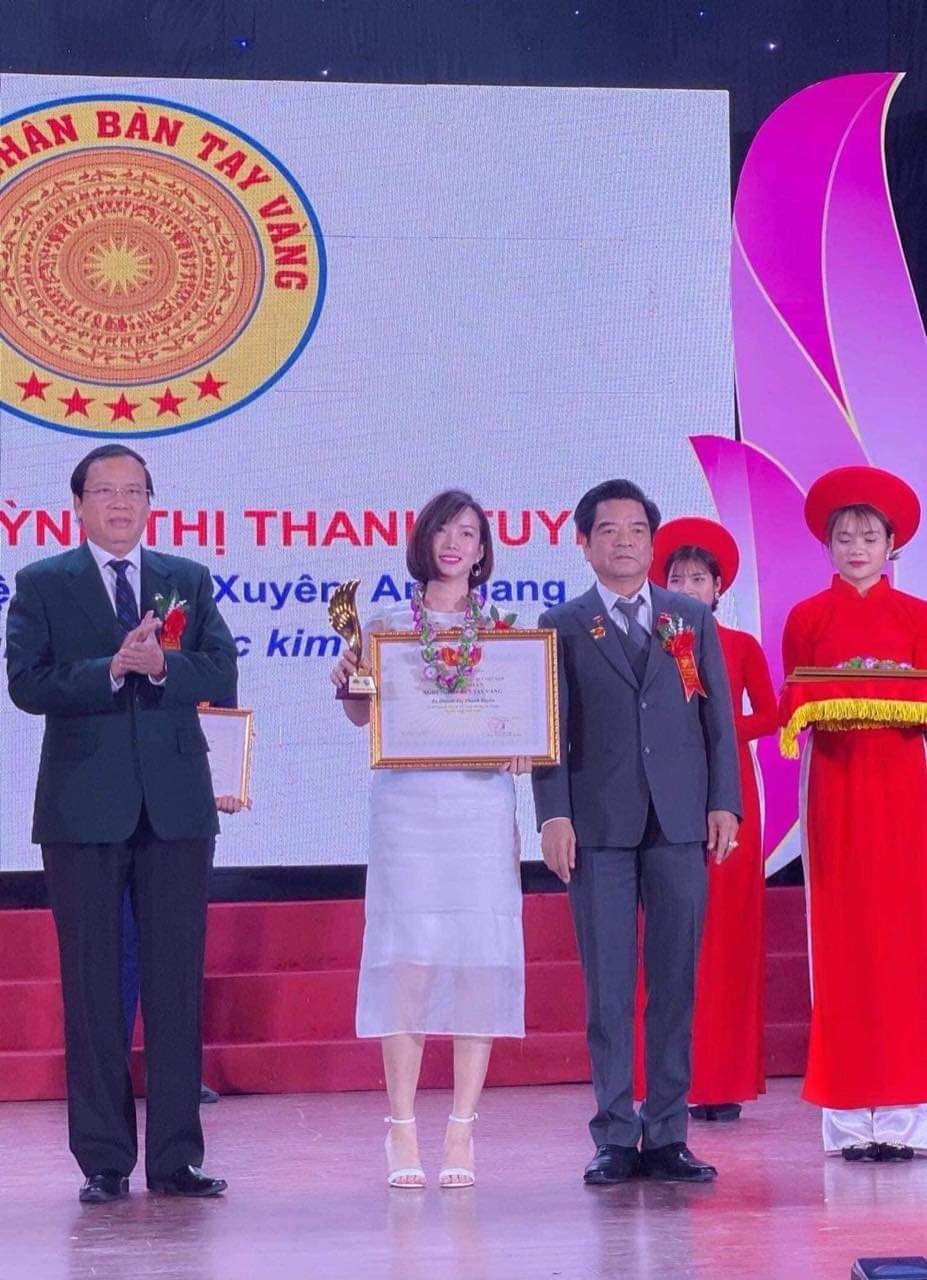 Ảnh hưởng từ bố và mẹ, từ nhỏ, Thanh Tuyền đã có niềm đam mê kinh doanh vàng.