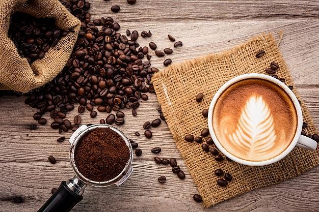 Giá cà phê hôm nay 19/1: Sản lượng giảm, xuất khẩu vẫn khó; Giá hồ tiêu