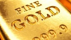 Giá vàng hôm nay 3/9: Thế giằng co dưới áp lực chốt lời, vàng hụt hơi