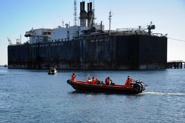 Vụ tàu ngầm Indonesia mất tích: Giống như bắt ông lão 70 kéo xe, thảm họa có thể đã không xảy ra
