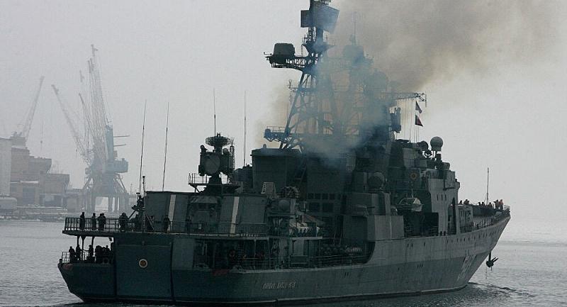 Khinh hạm Nguyên soái Shaposhnikov tiêu diệt mục tiêu giả định ở Biển Nhật Bản