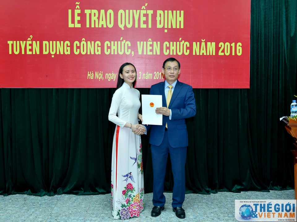 toan canh le trao quyet dinh tuyen dung cong chuc vien chac nam 2016