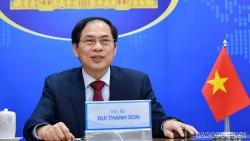 Bộ trưởng Ngoại giao Bùi Thanh Sơn trao đổi trực tuyến với Bộ trưởng Ngoại giao Australia, Malaysia và Philippines