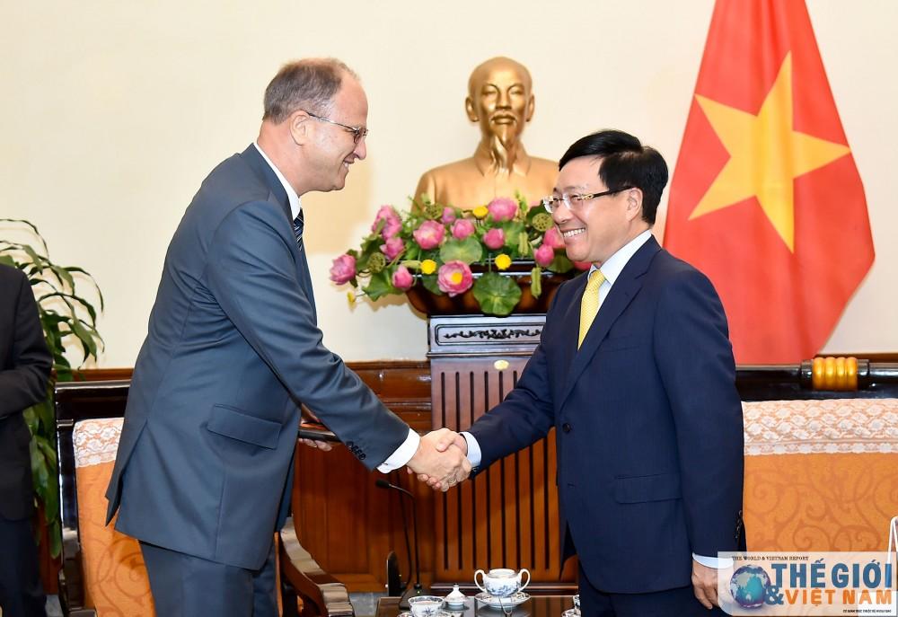 Phó Thủ tướng Phạm Bình Minh tiếp Đại sứ Đức Christian Berger chào từ biệt