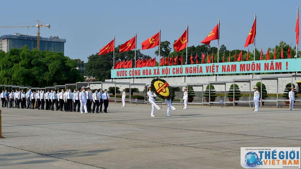 doan-lanh-dao-bo-ngoai-giao-vao-lang-vieng-chu-tich-ho-chi-minh-dip-quoc-khanh-29-1