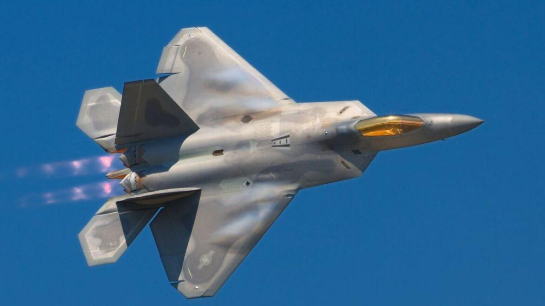 Mỹ có thể bán máy bay chiến đấu thế hệ thứ 5 đầu tiên F-22 Raptor cho Nhật Bản, Israel và Australia. (Nguồn: militaryanalizer.com)