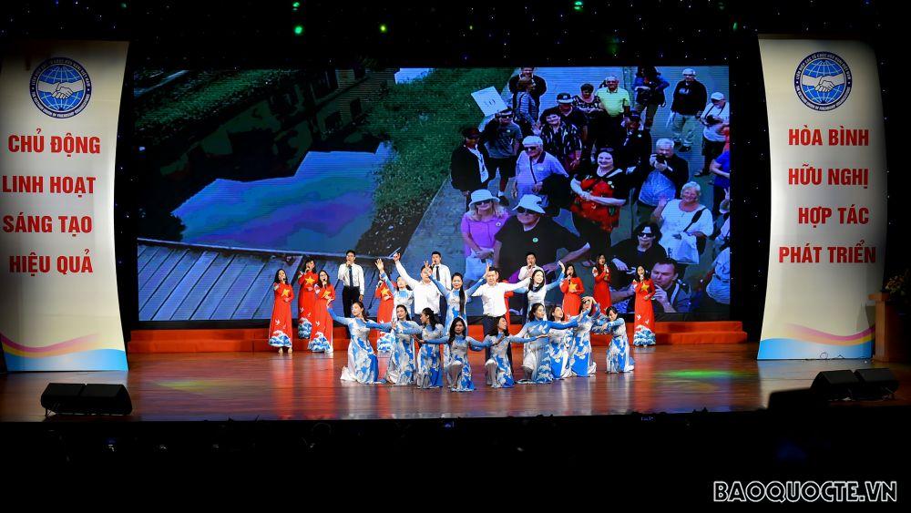 Liên hiệp các tổ chức hữu nghị Việt Nam kỷ niệm 70 năm ngày Truyền thống